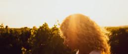 La chanteuse angela propose son dernier clip sono convinta